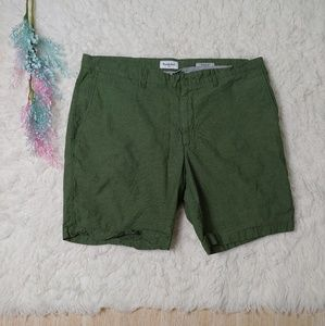 Goodfellow Forest Green Linden Flatfront Shorts